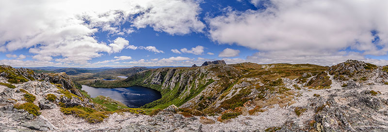 360 panorama of Crater Lake lookout in Cradle Mountain